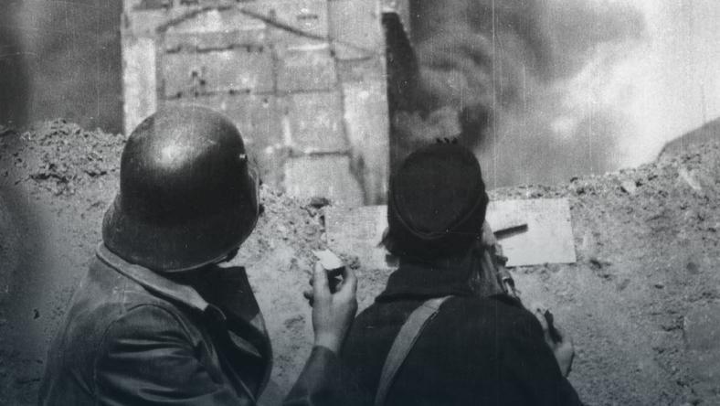 W trakcie Powstania Basia Matys brała udział m.in. w zdobywaniu budynku PAST-y