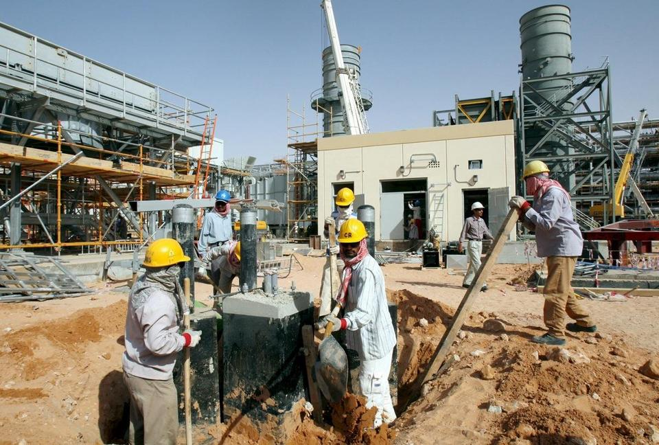 SAUDI ARABIA KHURAIS OIL FIELD