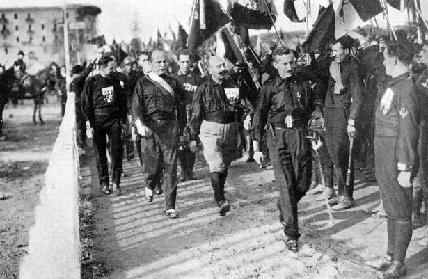 W październiku 1922 r. młody Kurt Erich Suckert maszerował na Rzym pod patronatem Benita Mussoliniego i świeżo utworzonej partii faszystowskiej