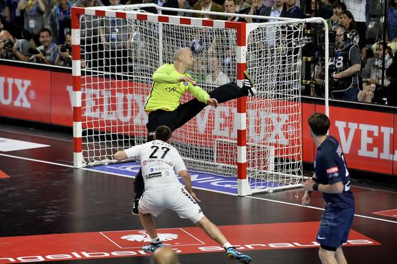 Trenutak odluke kada Čupić postiže gol u poslednjoj sekundi