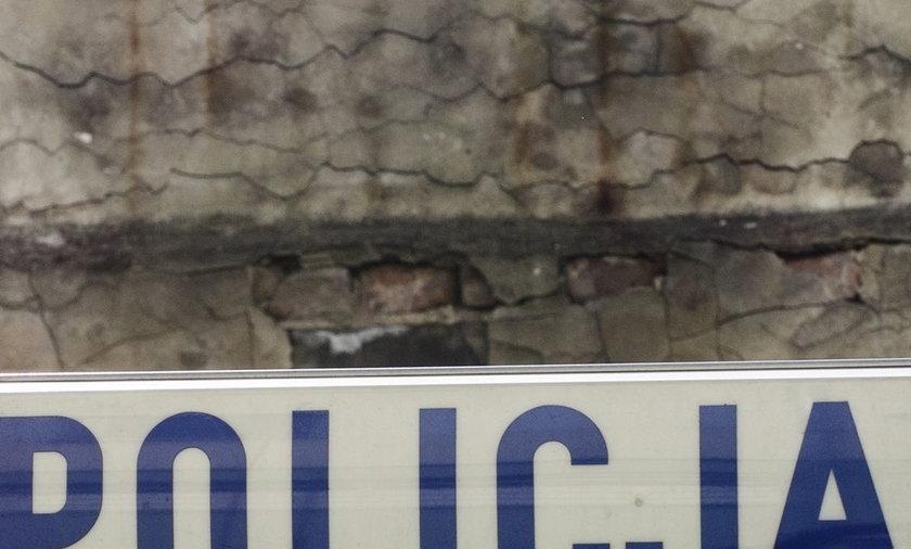 samochód policyjny z kogutem