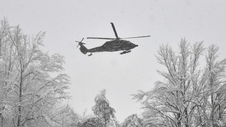The Austrian army had to used two helicopters to rescue German students from a snowbound ski resort