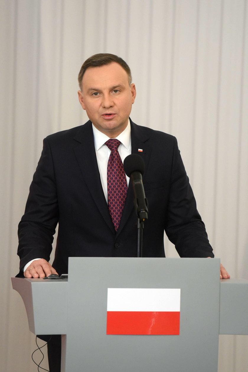 Apel byłego prezydenta ws. szczepień