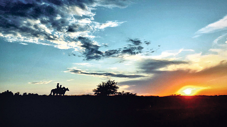 konji putovanje jahanje zalazak sunca
