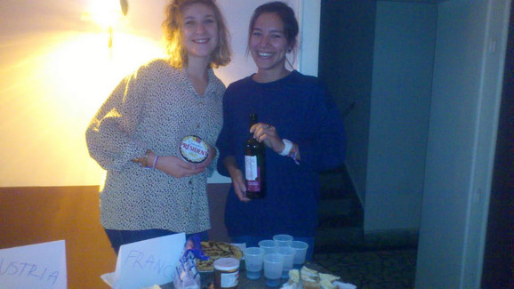 Francuskinje Lomse Braun (22) i Apoline Phan (22) oduševljene Beogradom