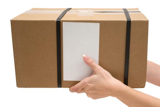 Zaledwie połowa przesyłek priorytetowych dociera do adresata w terminie.
