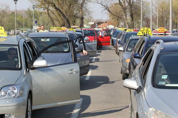 Taksisti ovog puta skoro jedinstveni