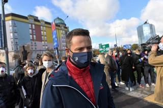 Trzaskowski: Wzywam MSWiA do wyjaśnień ws. brutalności policji podczas środowej demonstracji