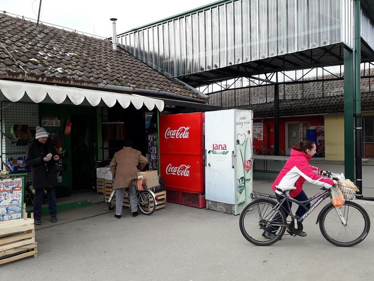 Loto trzni centar i pijaca u okviru kojeg je trafika uplatno mesto loto_160119_RAS_foto Biljana Vuckovic 010