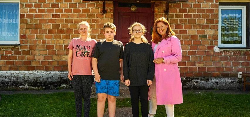 """Ekipa """"Nasz Nowy Dom"""" wyremontowała dom pani Marii. Rodzina mierzyła się traumą, po tym jak ojciec utonął na oczach dzieci"""