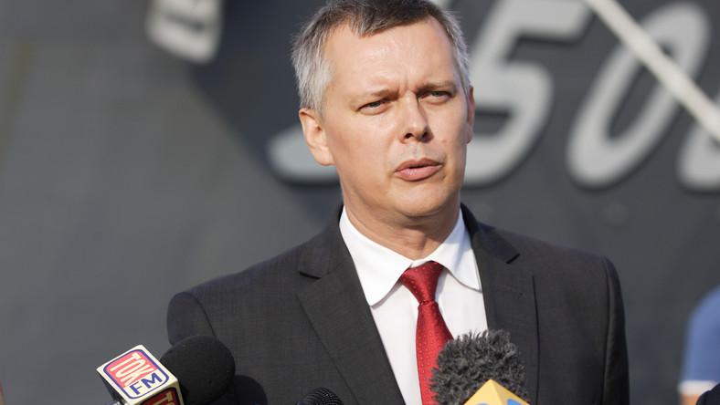 Siemoniak: sprawa gen. Skrzypczaka nie ma związku z dymisją szefa SKW