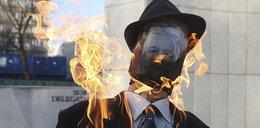 Spalił kukłę Kaczyńskiego! Trafi za kratki?