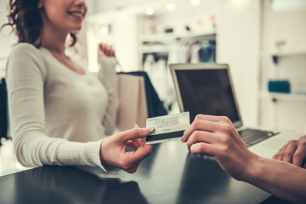Nie ma dostatecznej liczby przepisów regulujących kwestię kart podarunkowych