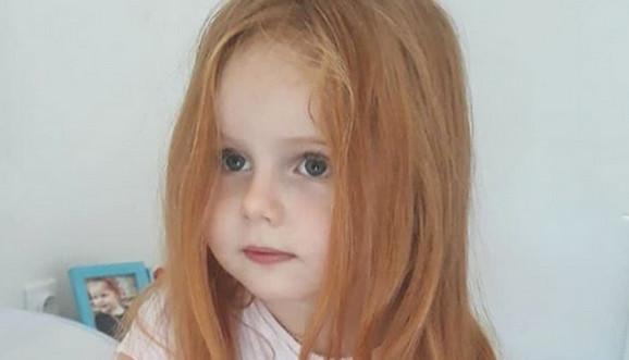 Helena pre šišanja i njena prelepa riđa kosa