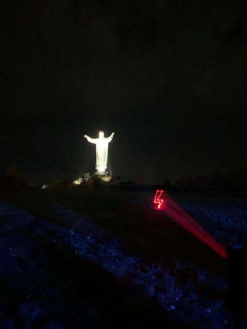 Wyświetlili piorun na pomniku Chrystusa Króla w Świebodzinie. Interweniowała policja