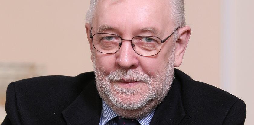 Prof. Stępień: Należy odwrócić tendencję centralizacji państwa [WYWIAD]