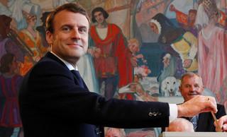 Francja: Dla socjalliberalnego Macrona wyzwaniem będzie gospodarka