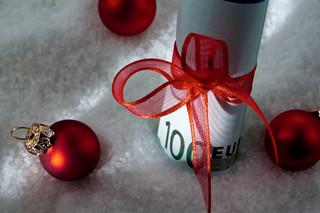 Jak rozliczyć paczki świąteczne finansowane ze środków funduszu socjalnego