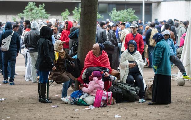 """Z informacji """"Bilda"""" wynika, że władze graniczącej z Austrią Bawarii poprosiły już o wsparcie policję federalną"""