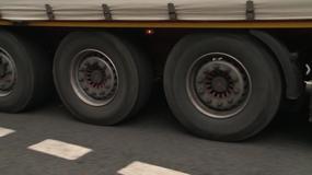 Ciężarówki bez sprawnych hamulców, kierowcy nie widzą problemu