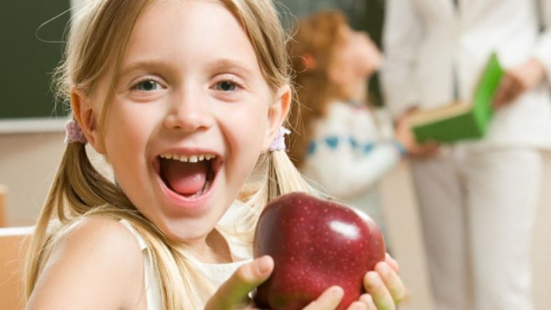 Szkoły nie chcą owoców dla uczniów