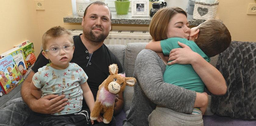 Dwie choroby, jeden dom. Rodzina państwa Jabłońskich walczy każdego dnia