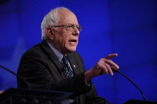 USA: Sanders tłumaczy się z pochwał pod adresem Castro