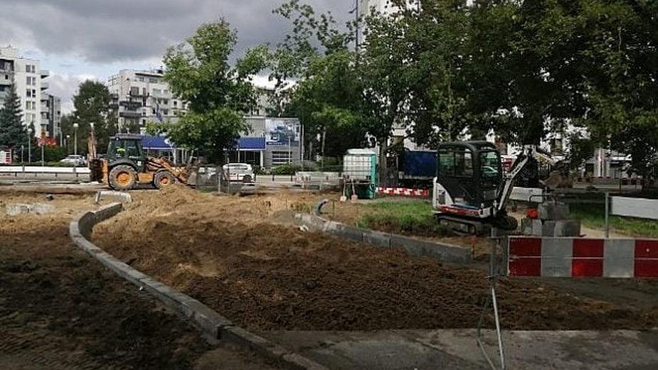 Warszawa. Na Sokratesa obiecali 110 nowych drzew, zasadzą 38, źródło: ZDM