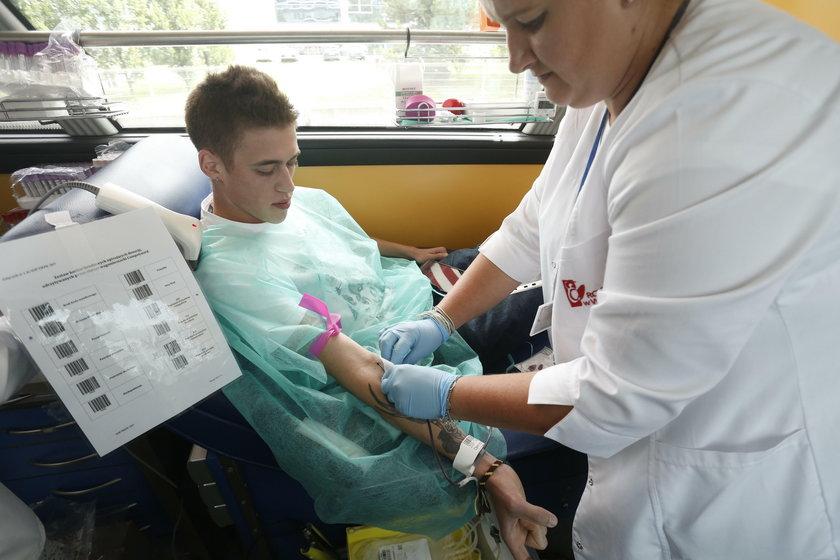 Paweł Operacz (22 l.), stażysta w naszej firmie, a równocześnie student realizacji dźwięku dowodzi, że na oddanie krwi można znaleźć czas także w czasie wakacji.