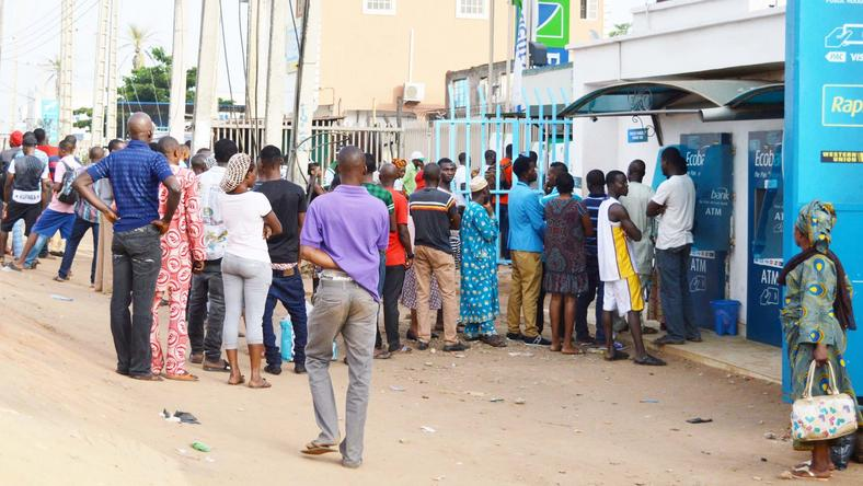 ___6065620___https:______static.pulse.com.gh___webservice___escenic___binary___6065620___2017___1___17___16___PIC.-3.-LONG-QUEUE-AT-AUTOMATIC-TELLER-MACHINE-IN-IKORODU
