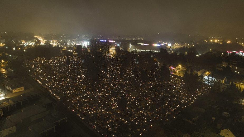 Cmentarz w Jaworznie, widok z drona
