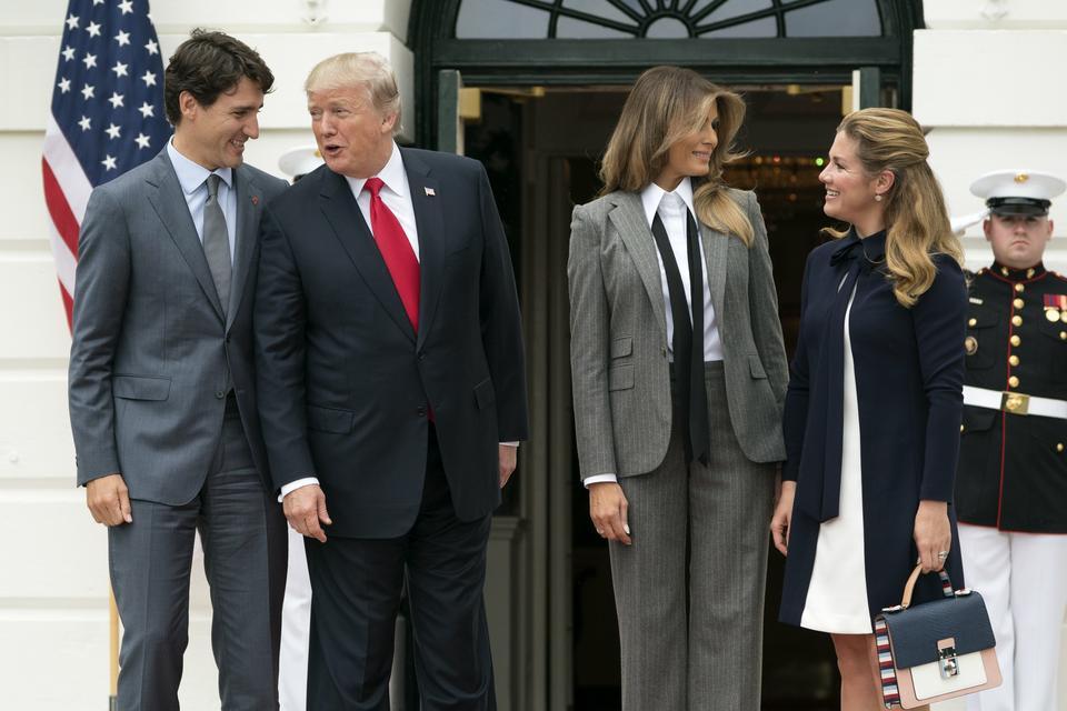 Melania Trump w garniturze