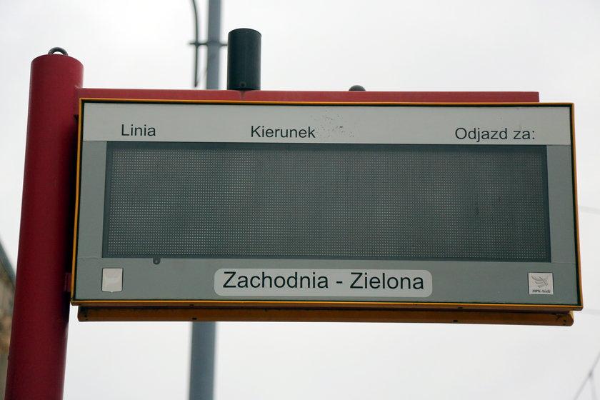 Testują system sterowania ruchem, a tablice informacji pasażerskiej wariują