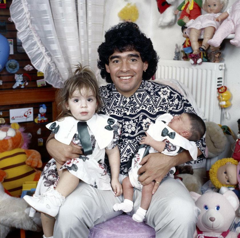 Diego Maradona z dwójką swoich dzieci