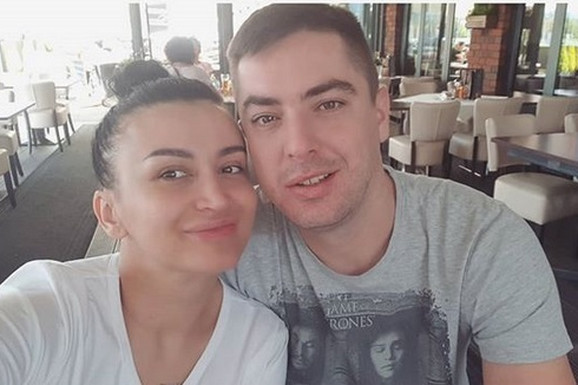 SKANDAL Andreanu Čekić verenik PLJUNUO nasred kluba i URLAO NA NJU