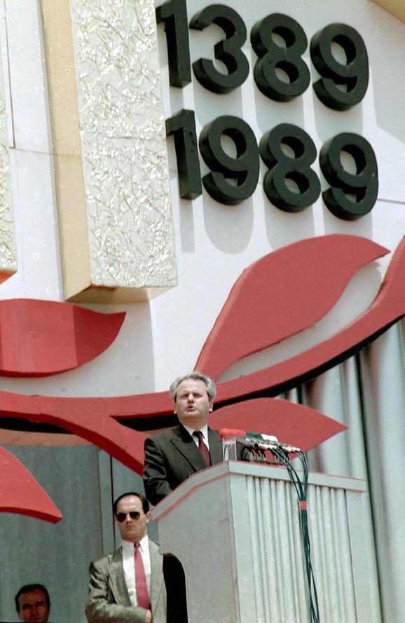 Milošević drži govor na Gazimestanu