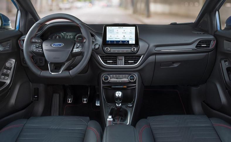Ford zaskakuje pomysłami. Siedzenia mogą mieć zdejmowaną tapicerkę - w razie zabrudzenie wystarczy odpiąć suwak, a pralka rozwiąże kłopot
