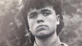 Peter Dinklage na zdjęciu z czasów młodości
