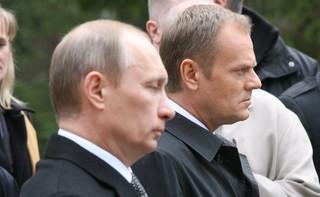 Jak Tusk oddał śledztwo Putinowi: Przez kilka tygodni po katastrofie smoleńskiej 'Polska była bezwolnym wykonawcą rosyjskich poleceń'