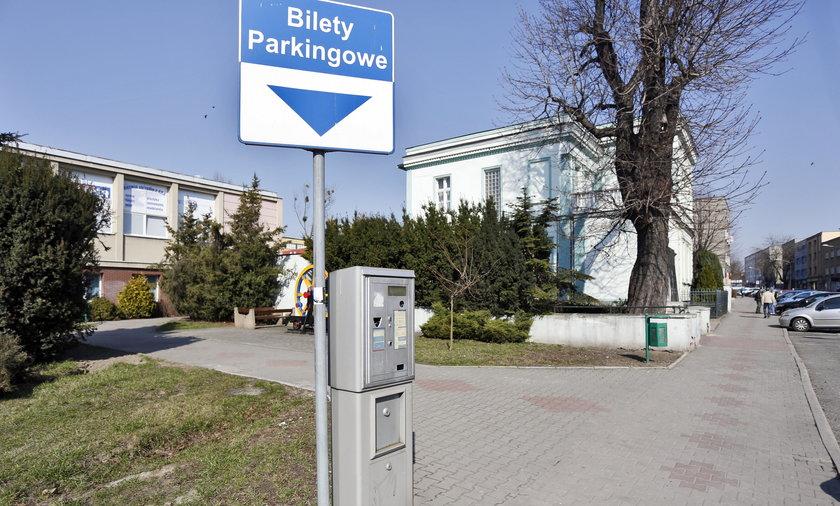 parkomat na ul. Kubszy w Wodzislawiu Slaskim z ktorego straznicy miejscy ukradli pieniadze
