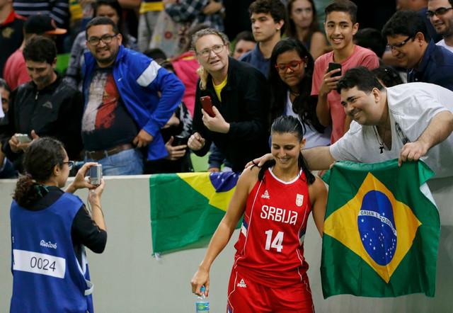 Ana Dabović sa fanovima