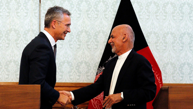 Prezydent Afganistanu Mohammad Ashraf Ghani i sekretarz generalny NATO Jens Stoltenber