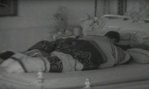 PUCAO KREVET! Aleksandra i David ponovo imali seks, pa zaboravili da su goli! VIDEO 18+
