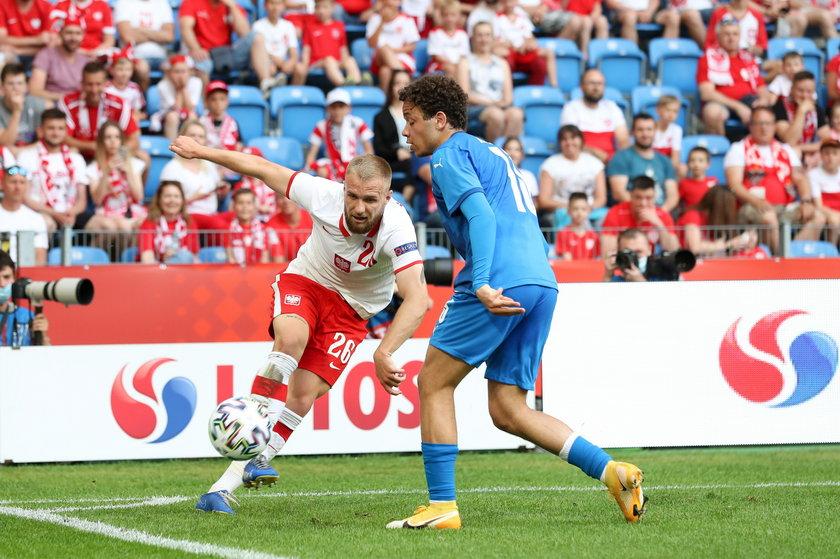 W meczu z Islandią wychowanek akademii Lecha ewidentnie czuł się w Poznaniu jak w domu i hasał od jednej linii końcowej do drugiej.