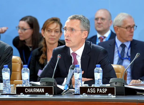 Sekretarz generalny NATO Jens Stoltenberg tłumaczył w rozmowie z BBC, ze Turcja ma potężną armię i nie było wniosku w sprawie pomocy wojskowej
