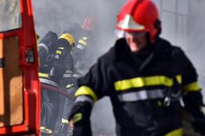 VELIKI POŽAR U PODGORICI Vetar otežava gašenje vatre, put prema Nikšiću ZATVOREN