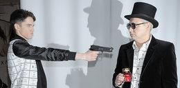 Polski pisarz machał pistoletem na pokazie