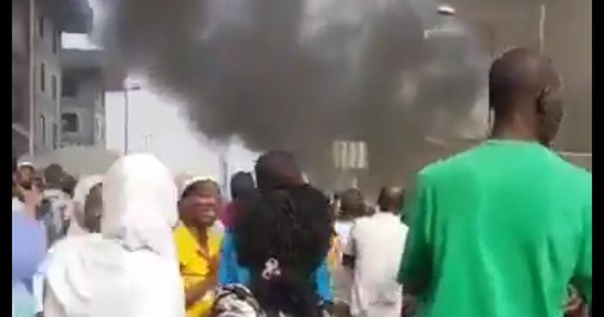2 injured as fire razes building near Tejuosho market in Lagos - Pulse Nigeria