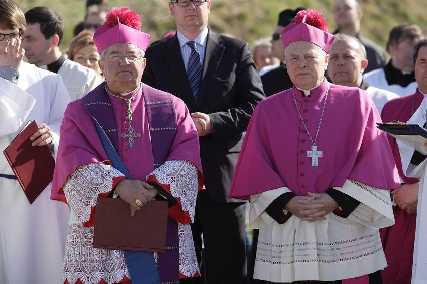Arcybiskup Głódź i arcybiskup Gocłowski