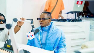 Ni kweli Mzee Abdul si baba yangu mzazi- Diamond sets the record straight